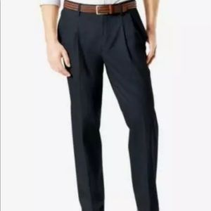 Dockers Mens 42x30 Lux Relaxed Fit Khaki Pants